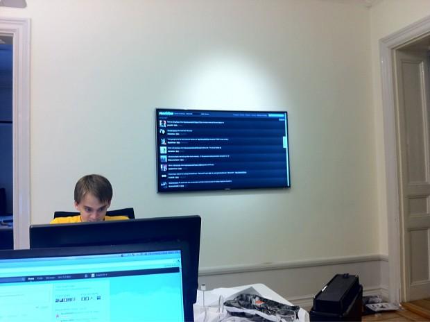 Mojang Twitter feed monitor