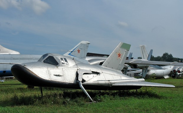 http://media.moddb.com/cache/images/groups/1/3/2044/thumb_620x2000/MiG-105-Spiral.jpg