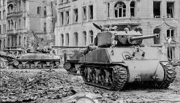 "M4A3E2(76) ""Jumbo"" in cologne (Köln)."