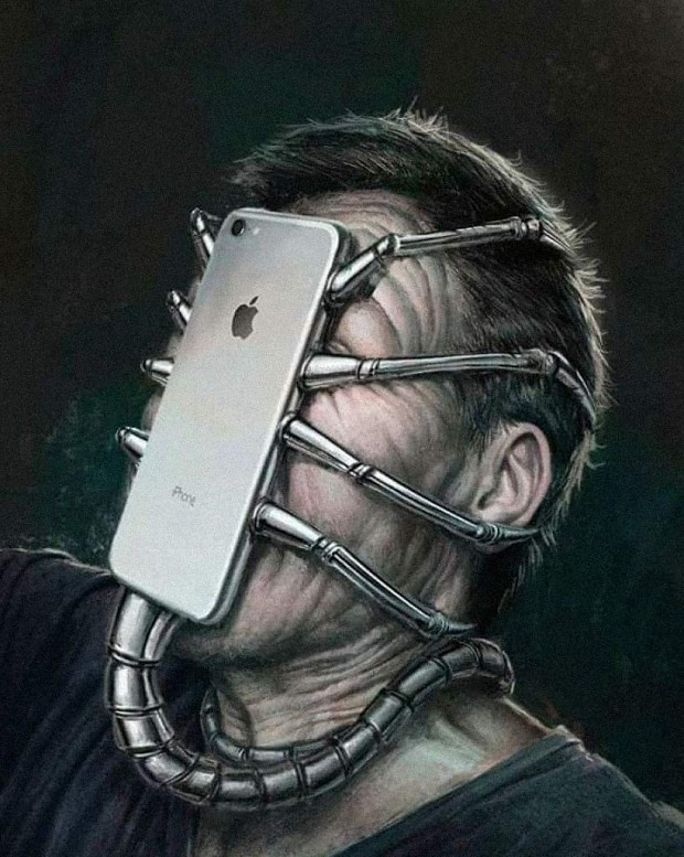 The New Alien Iphone! Works better than expected...