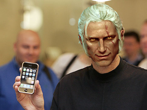 Geralt makes the Epic iPhone