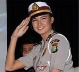 Indonesian female soldier