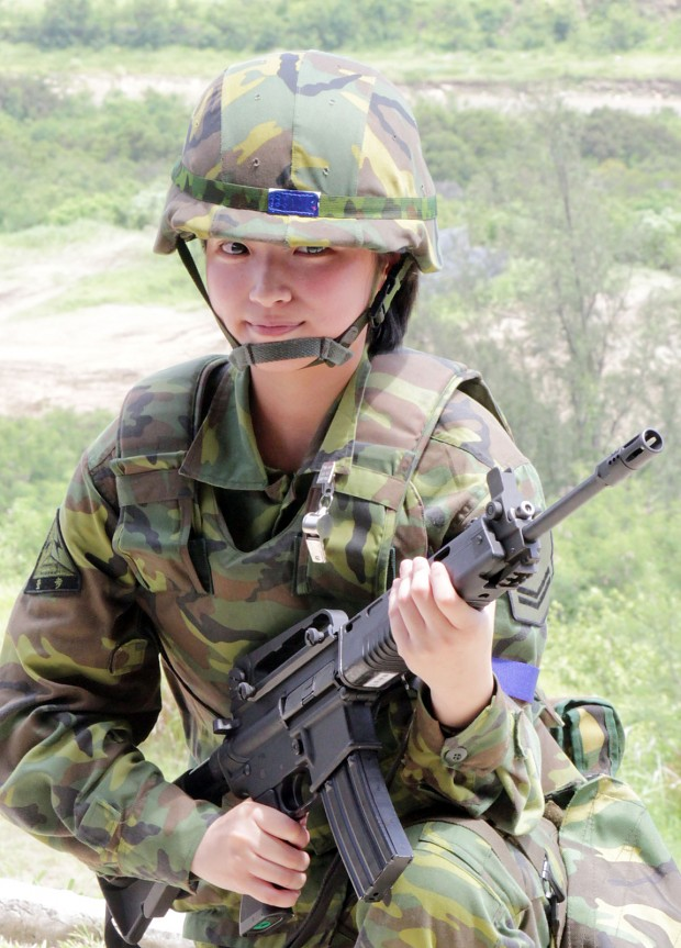 Taiwanese Female Soldier (PR China)