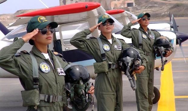 Ecuadorian Female Pilots