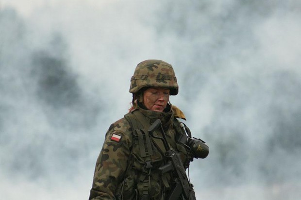 polish female soldier image