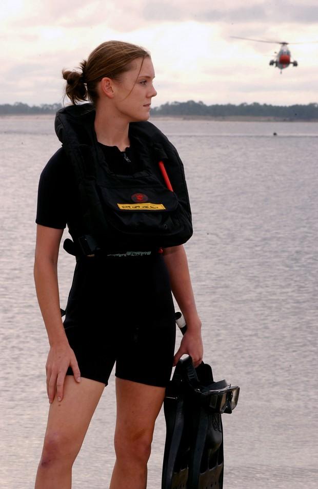 us female navy member image