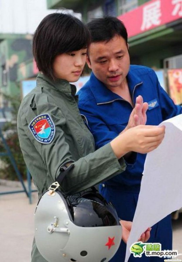 Female Chinese and USA Pilots