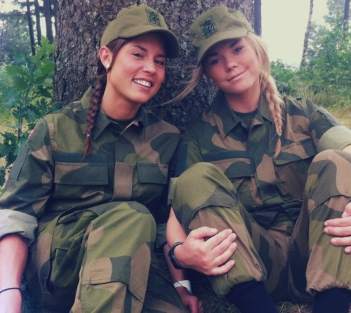 Norwegian Female Soldiers