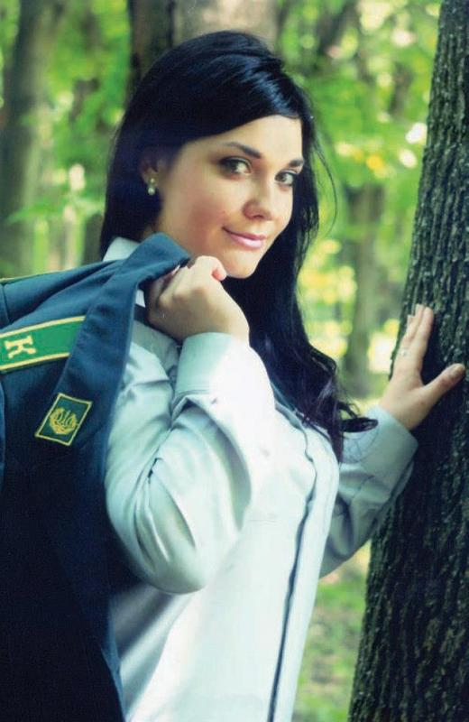 ukraine female soldiers  border guards  police image