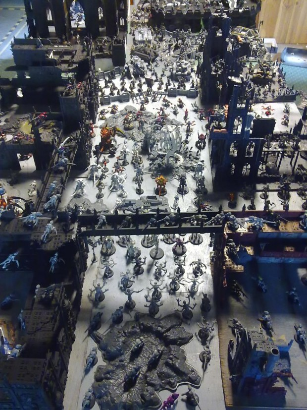 tyranids vs imperial guard huge battle