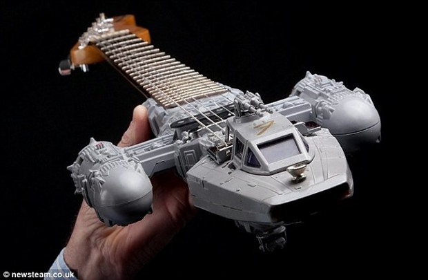 MattmanDude's Dream Y-Wing Guitar