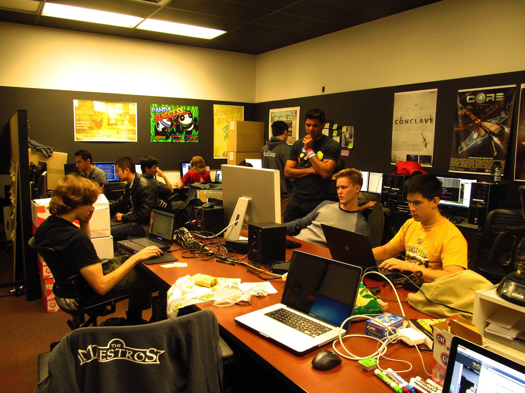 Maestros Team in Lab