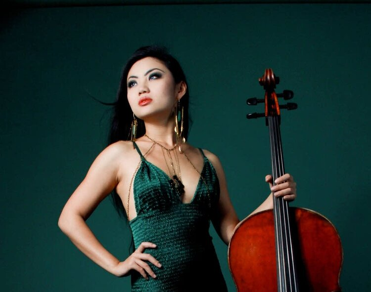 32df93-20140910-tina-guo-cellist.jpg