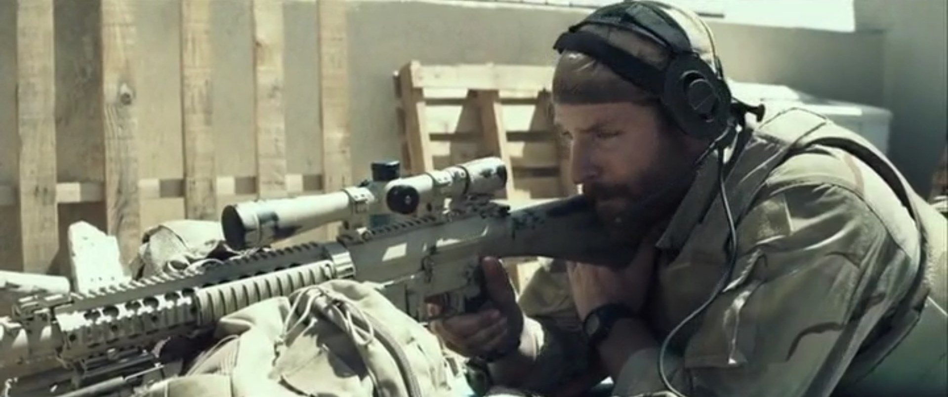 American Sniper - movie 2015 pic 2 wallpaper image - Armies of the