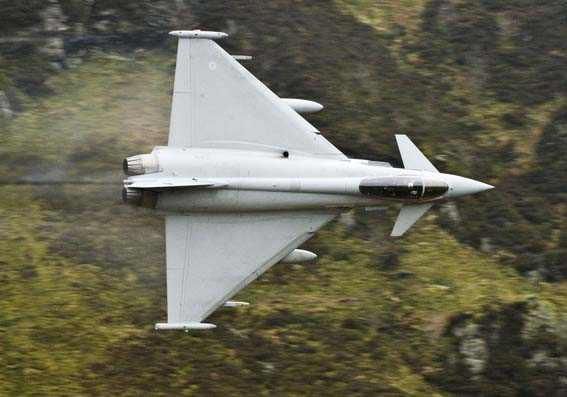 http://media.moddb.com/images/groups/1/3/2044/eurofighterTyphoon08.jpg