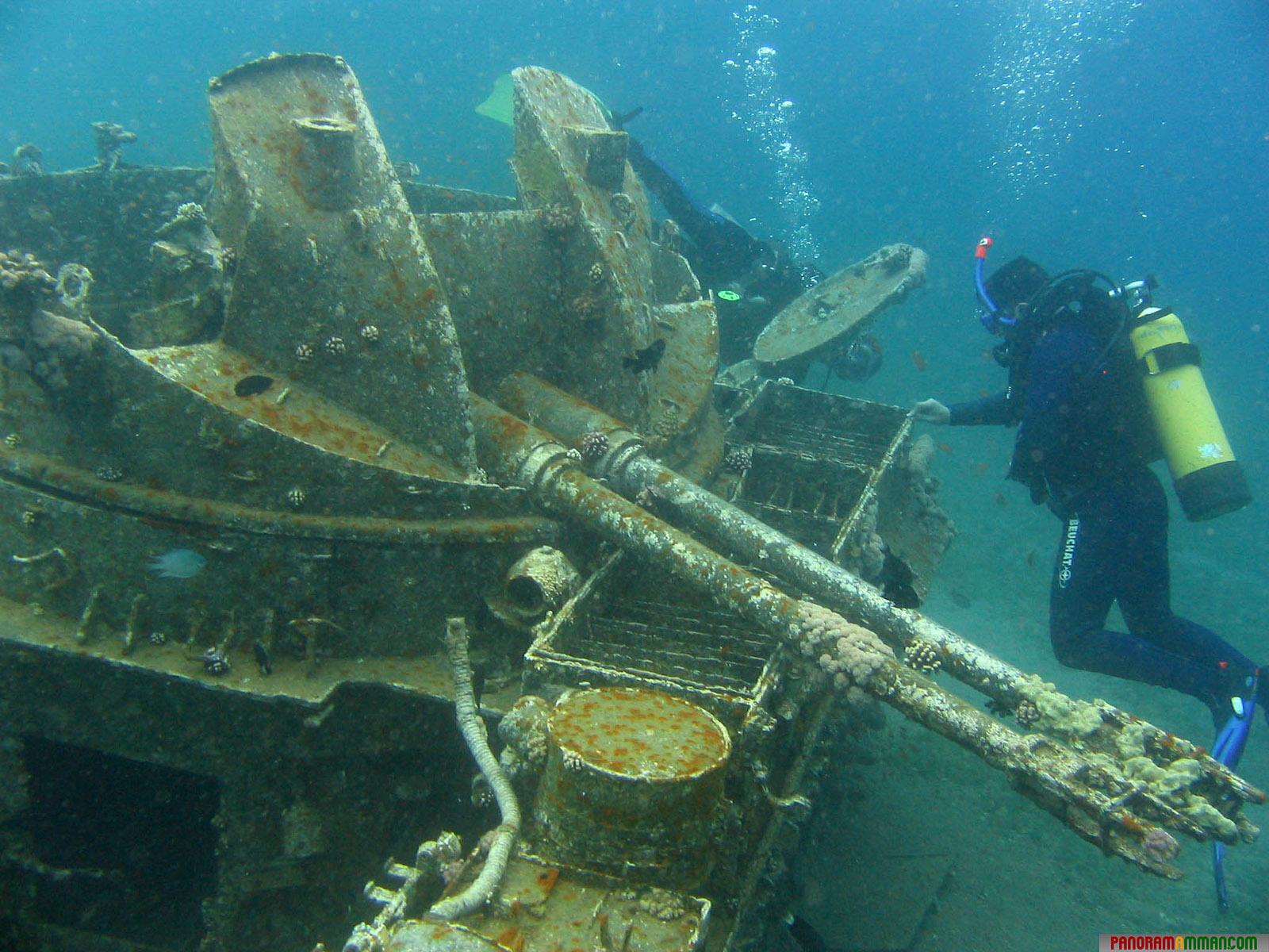 затонувшие корабли фото со спутника обычно