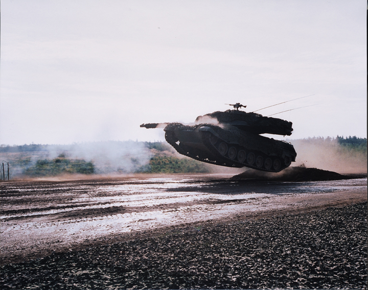 http://media.moddb.com/images/groups/1/3/2074/leopard2.jpg
