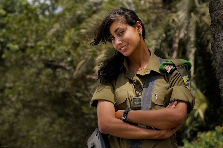 Girls in Army around the Globe -5- image - Females In Uniform ...