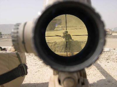 http://media.moddb.com/images/members/1/384/383342/iraq_sniper_scope.jpg