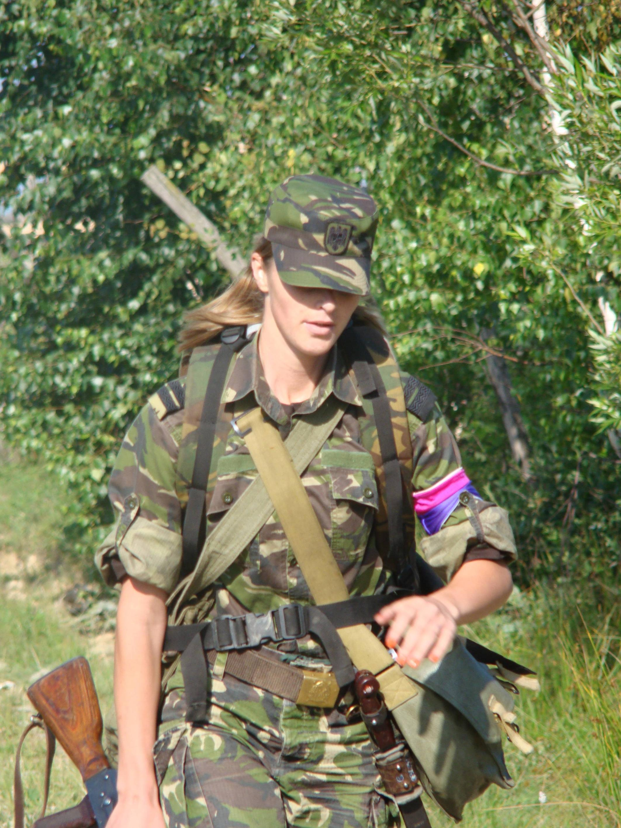 Romanian army girls — pic 13