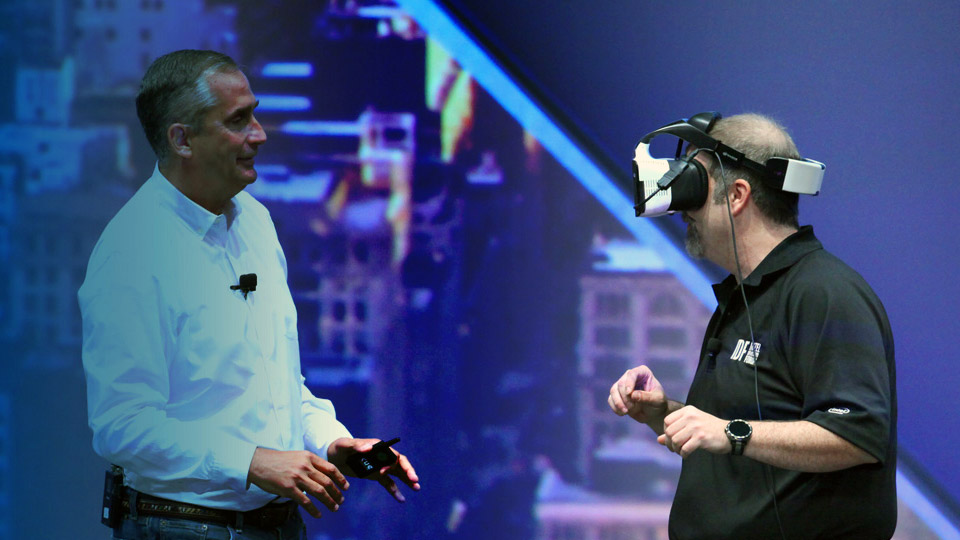 intel project alloy vr headset 2