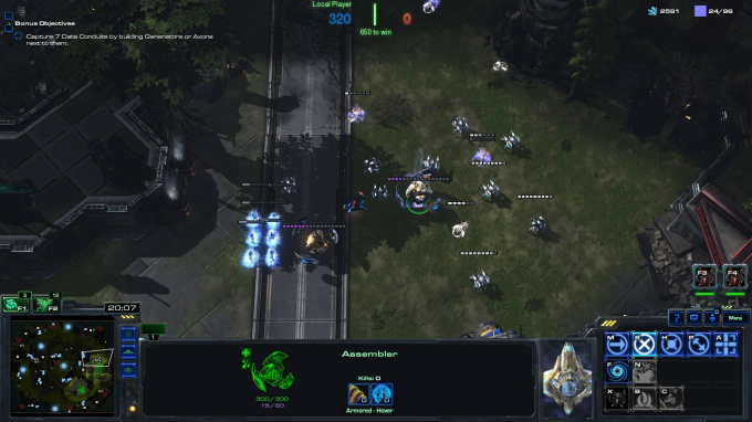 Arc Field firing off against neutral Harbingers and Needlers (note the blue lightning clouds around 2 of the Harbingers near the center of the image)